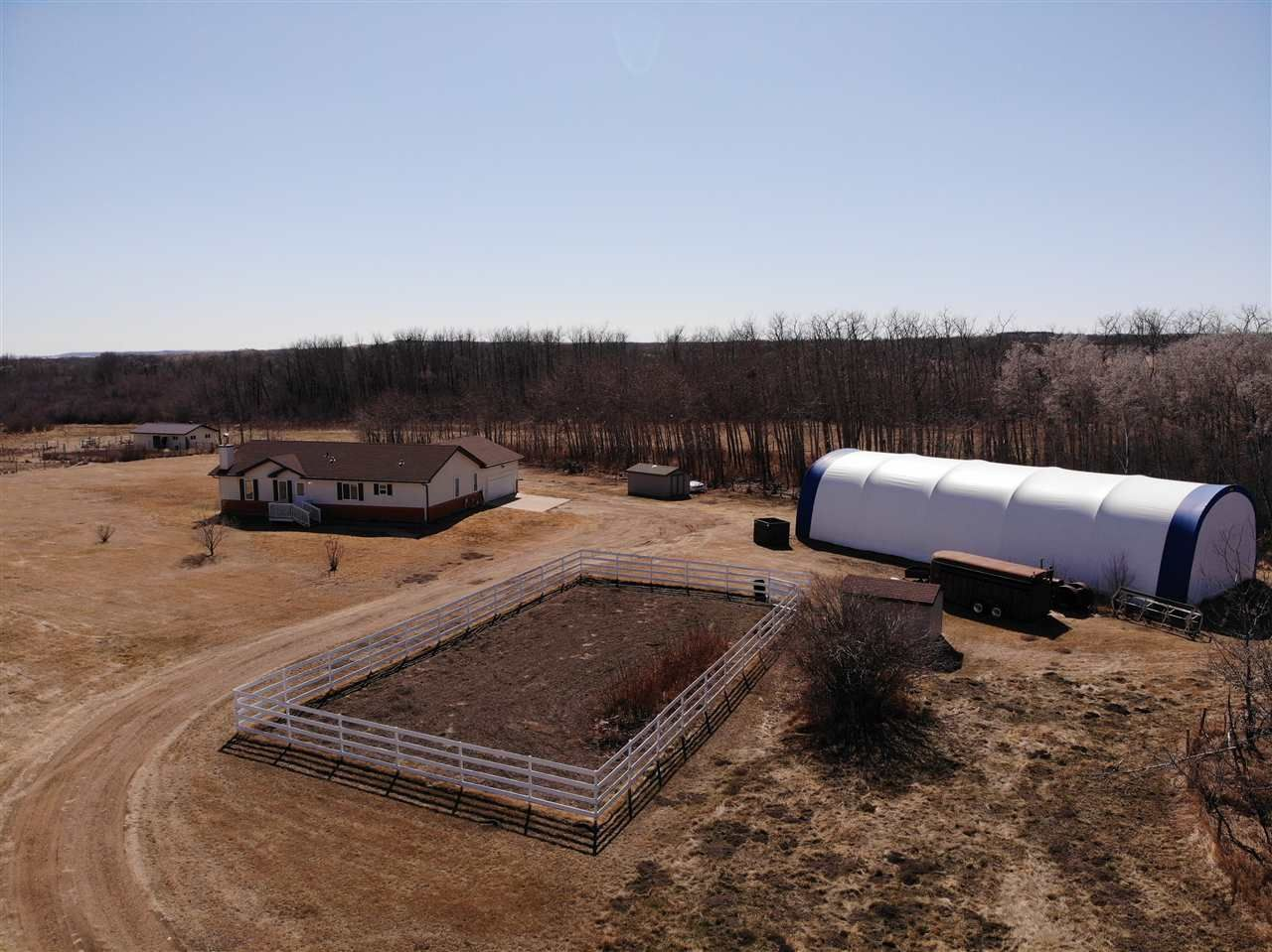 Main Photo: 42540A HWY 13: Rural Flagstaff County House for sale : MLS®# E4237916