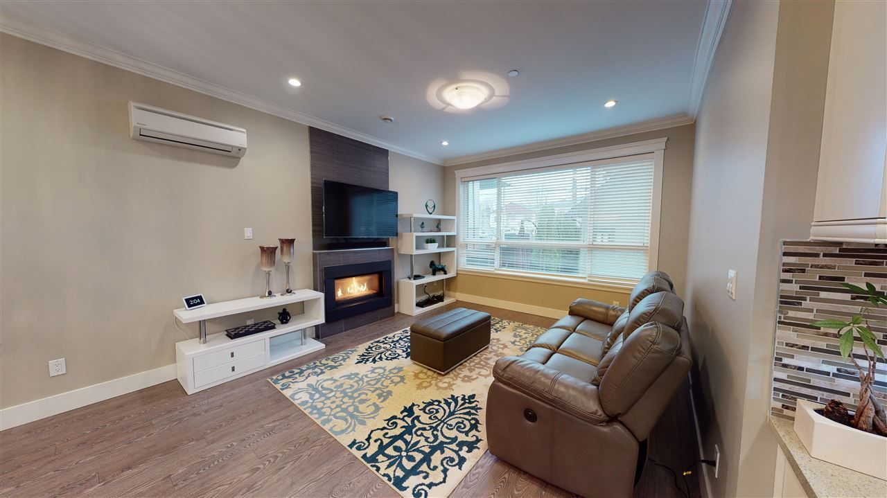 Photo 3: Photos: 3365 NAPIER Street in Vancouver: Renfrew VE House for sale (Vancouver East)  : MLS®# R2534997