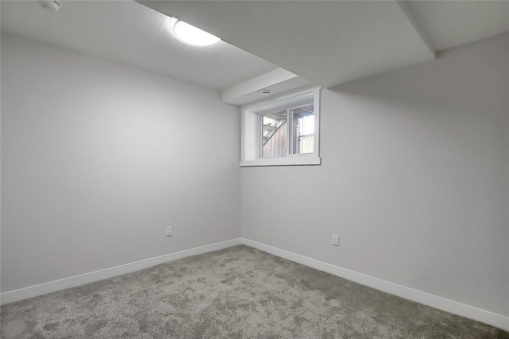Photo 37: Photos: 1134 BERKLEY Drive NW in Calgary: Beddington Heights Semi Detached for sale : MLS®# C4303281