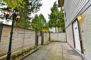 Photo 2: 14858 HOLLY PARK Lane in Surrey: Guildford Townhouse for sale (North Surrey)  : MLS®# R2222542