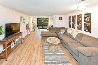 Photo 30: 3026 Carroll St in : Vi Burnside House for sale (Victoria)  : MLS®# 864157