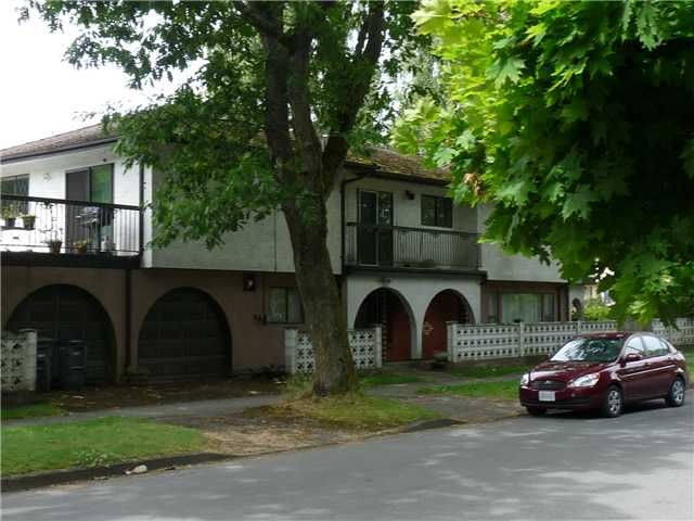 """Main Photo: 4703 WALLACE Street in Vancouver: Dunbar House for sale in """"WEST DUNBAR"""" (Vancouver West)  : MLS®# V900735"""