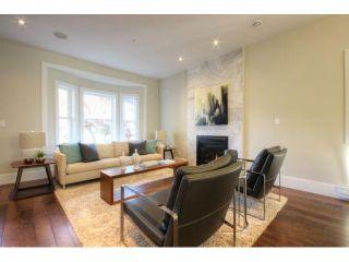 Photo 3: 928 E 20TH AV in Vancouver: Fraser VE House for sale (Vancouver East)  : MLS®# V1032676