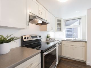 """Photo 13: 735 W 7TH Avenue in Vancouver: Fairview VW Townhouse for sale in """"The Fountains"""" (Vancouver West)  : MLS®# R2544086"""