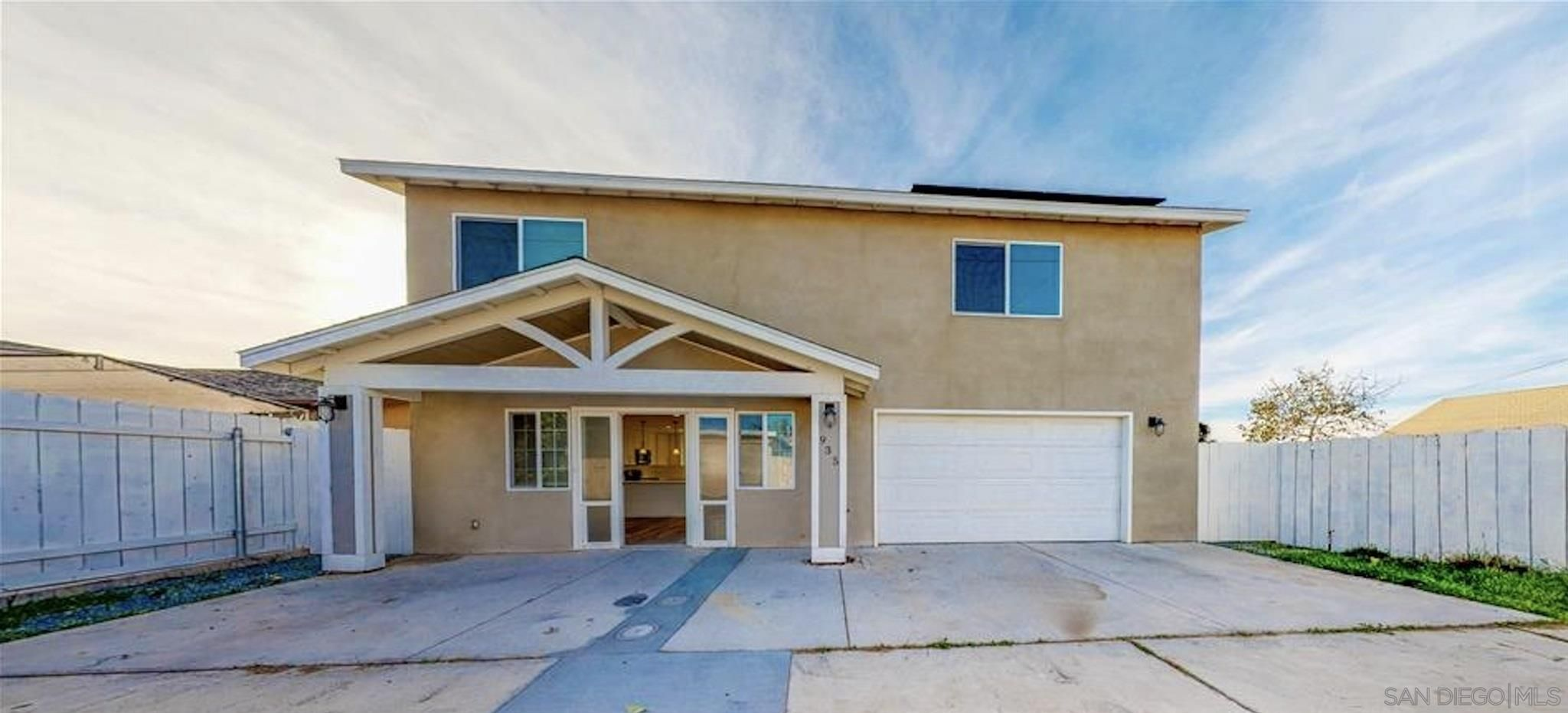 Main Photo: IMPERIAL BEACH House for sale : 4 bedrooms : 935 Emory St