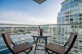 "Photo 11: 2701 1199 MARINASIDE Crescent in Vancouver: Yaletown Condo for sale in ""AQUARIUS I"" (Vancouver West)  : MLS®# R2564661"