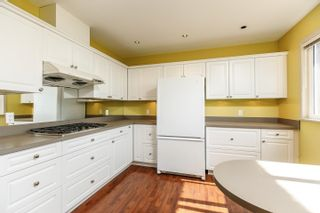 Photo 13: 910 EYREMOUNT Drive in West Vancouver: British Properties House for sale : MLS®# R2616315