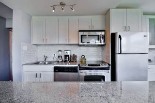 """Photo 9: 701 31 ELLIOT Street in New Westminster: Downtown NW Condo for sale in """"ROYAL ALBERT TOWER"""" : MLS®# R2065597"""
