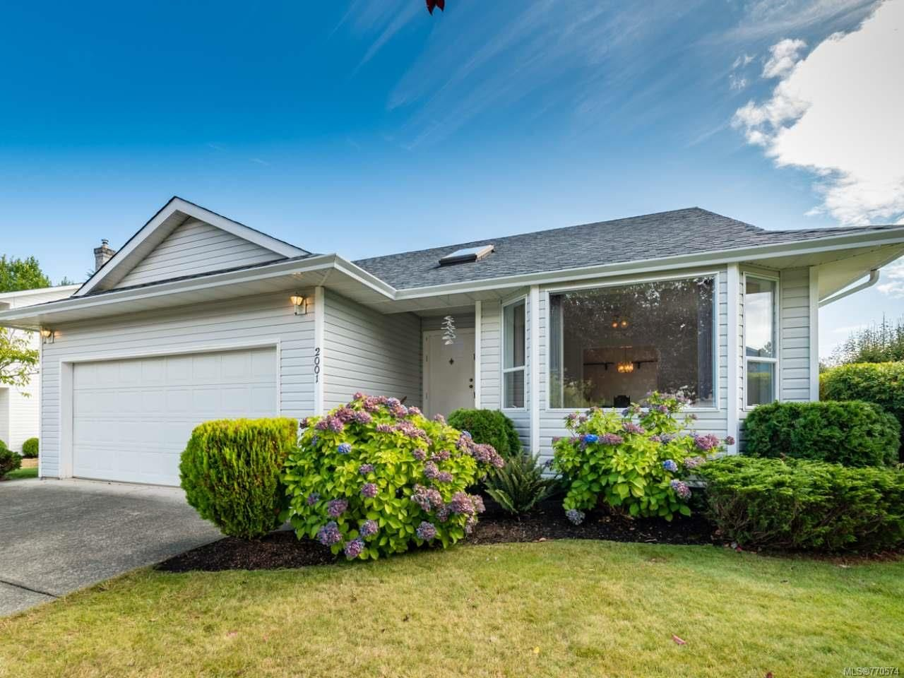 Main Photo: 2001 VALLEY VIEW DRIVE in COURTENAY: CV Courtenay East House for sale (Comox Valley)  : MLS®# 770574