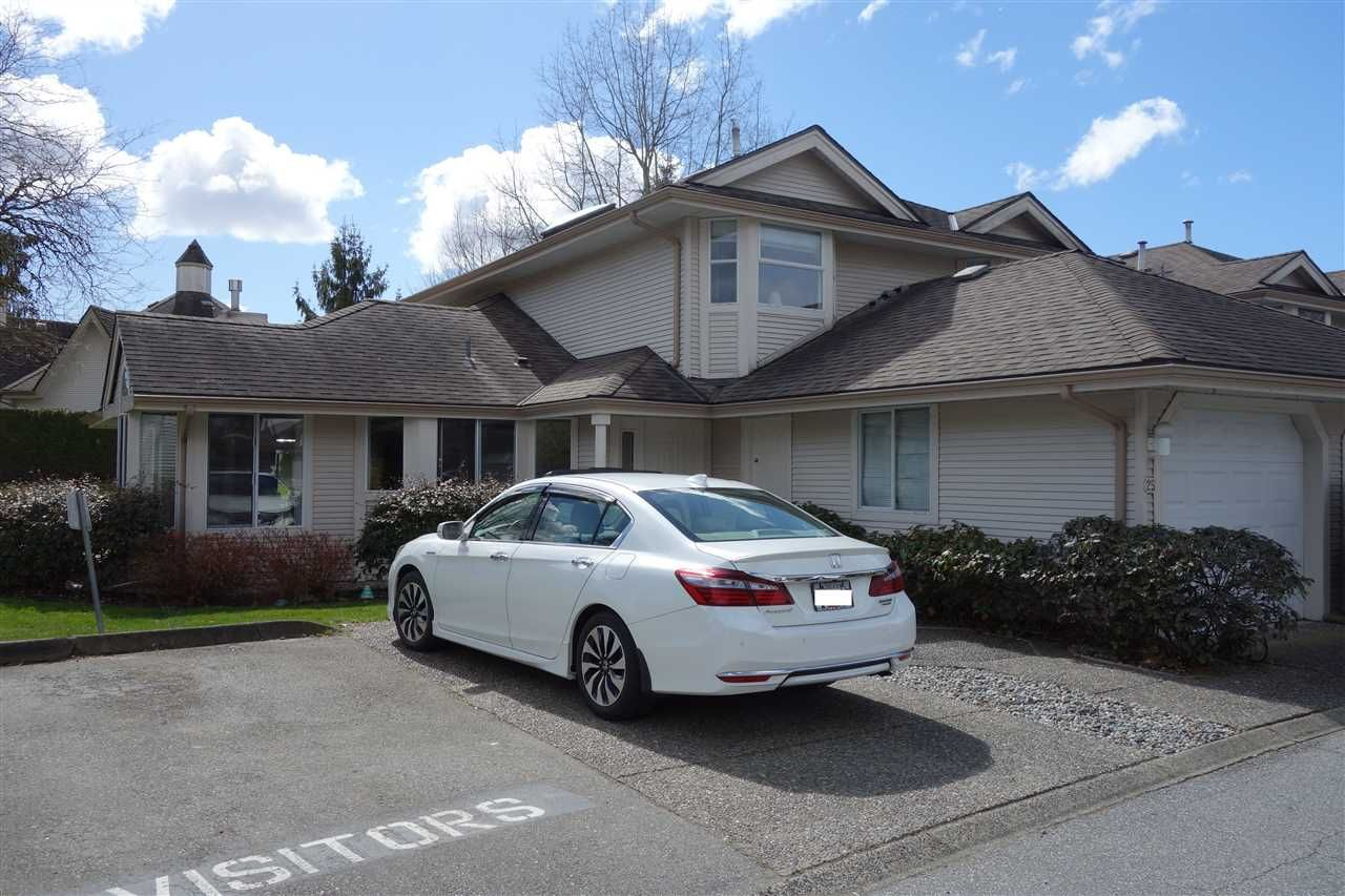 """Main Photo: 25 9045 WALNUT GROVE Drive in Langley: Walnut Grove Townhouse for sale in """"BRIDLEWOODS"""" : MLS®# R2560411"""