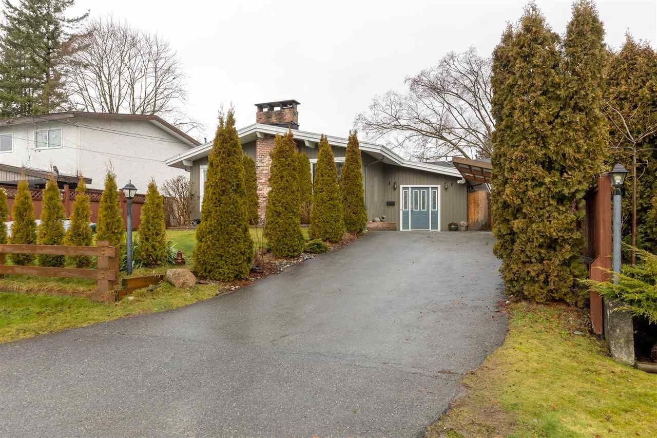 Main Photo: 32715 CRANE AVENUE in : Mission BC House for sale : MLS®# R2432287