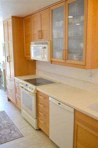Photo 4: CLAIREMONT House for sale : 3 bedrooms : 3681 MT EVEREST BLVD in San Diego