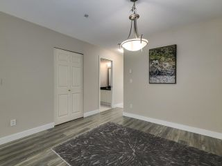 Photo 5: 132 6588 SOUTHOAKS Crescent in Burnaby: Highgate Townhouse for sale (Burnaby South)  : MLS®# R2600972