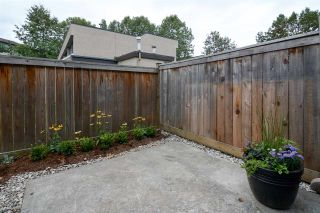 "Photo 3: 106 17720 60 Avenue in Surrey: Cloverdale BC Townhouse for sale in ""Clover Park Gardens"" (Cloverdale)  : MLS®# R2212954"