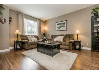 """Photo 3: 40 4967 220 Street in Langley: Murrayville Townhouse for sale in """"Winchester"""" : MLS®# R2393390"""