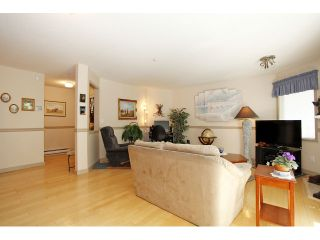 """Photo 9: 105 20240 54A Avenue in Langley: Langley City Condo for sale in """"Arbutus Court"""" : MLS®# F1315776"""