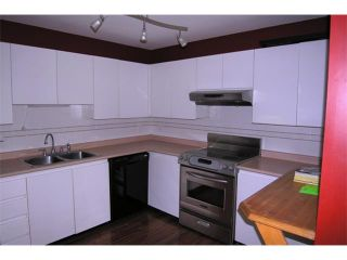 "Photo 3: 47 7345 SANDBORNE Avenue in Burnaby: South Slope Townhouse for sale in ""SANDBORNE WOODS"" (Burnaby South)  : MLS®# V823855"