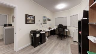 Photo 17: 818 KIWANIS Way in Gibsons: Gibsons & Area Business with Property for sale (Sunshine Coast)  : MLS®# C8036896