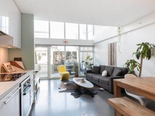 """Photo 14: 274 E 2ND Avenue in Vancouver: Mount Pleasant VE Townhouse for sale in """"JACOBSEN"""" (Vancouver East)  : MLS®# R2572730"""