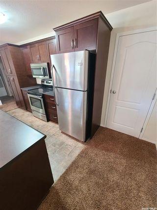 Photo 4: 4 221 Main Street South in Moose Jaw: Westmount/Elsom Residential for sale : MLS®# SK860373