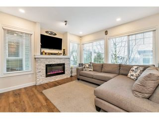 "Photo 2: 21 6110 138 Street in Surrey: Sullivan Station Townhouse for sale in ""SENECA WOODS"" : MLS®# R2436606"