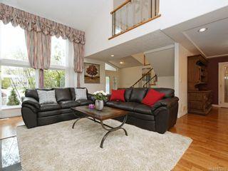 Photo 2: 4385 Wildflower Lane in : SE Broadmead House for sale (Saanich East)  : MLS®# 872387