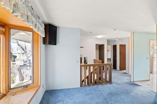 Photo 5: 816 Whitehill Way NE in Calgary: Whitehorn Detached for sale : MLS®# A1154099