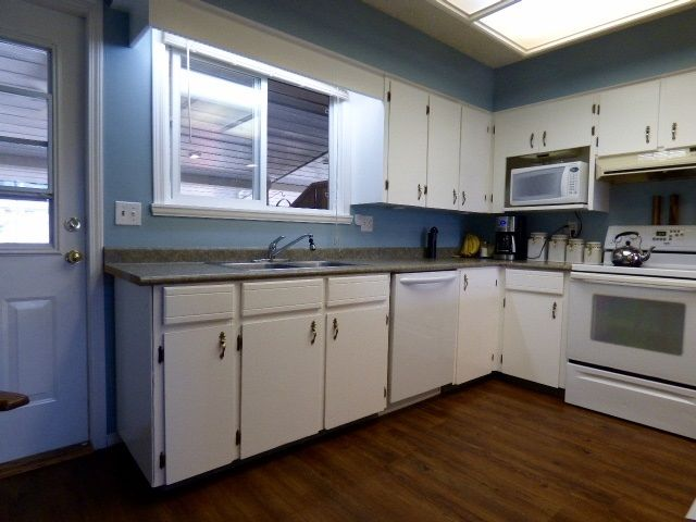 Photo 4: Photos: 2 9622 PAULA Crescent in Chilliwack: Chilliwack E Young-Yale 1/2 Duplex for sale : MLS®# R2078919