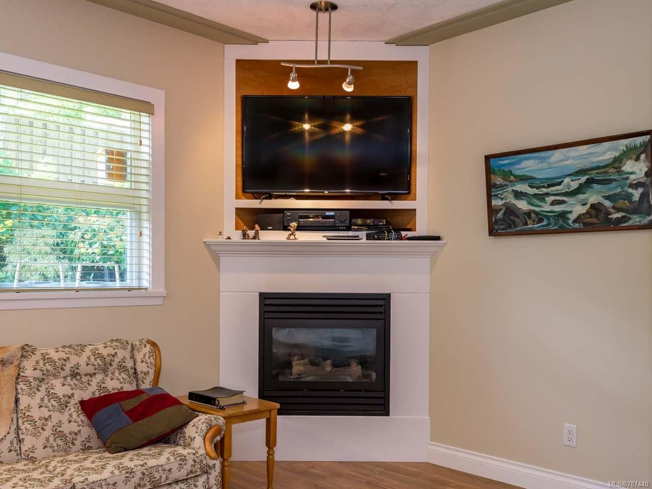 Main Photo: 8 1285 Guthrie Rd in COMOX: CV Comox (Town of) Row/Townhouse for sale (Comox Valley)  : MLS®# 787440