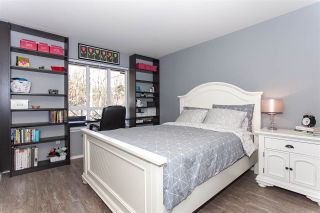 """Photo 10: 307 9979 140 Street in Surrey: Whalley Condo for sale in """"Sherwood Green"""" (North Surrey)  : MLS®# R2345551"""