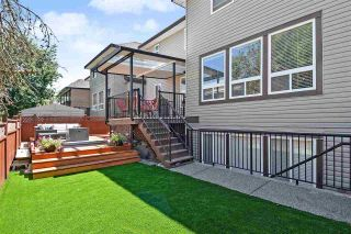 """Photo 2: 6351 167B Street in Surrey: Cloverdale BC House for sale in """"West Cloverdale"""" (Cloverdale)  : MLS®# R2475893"""