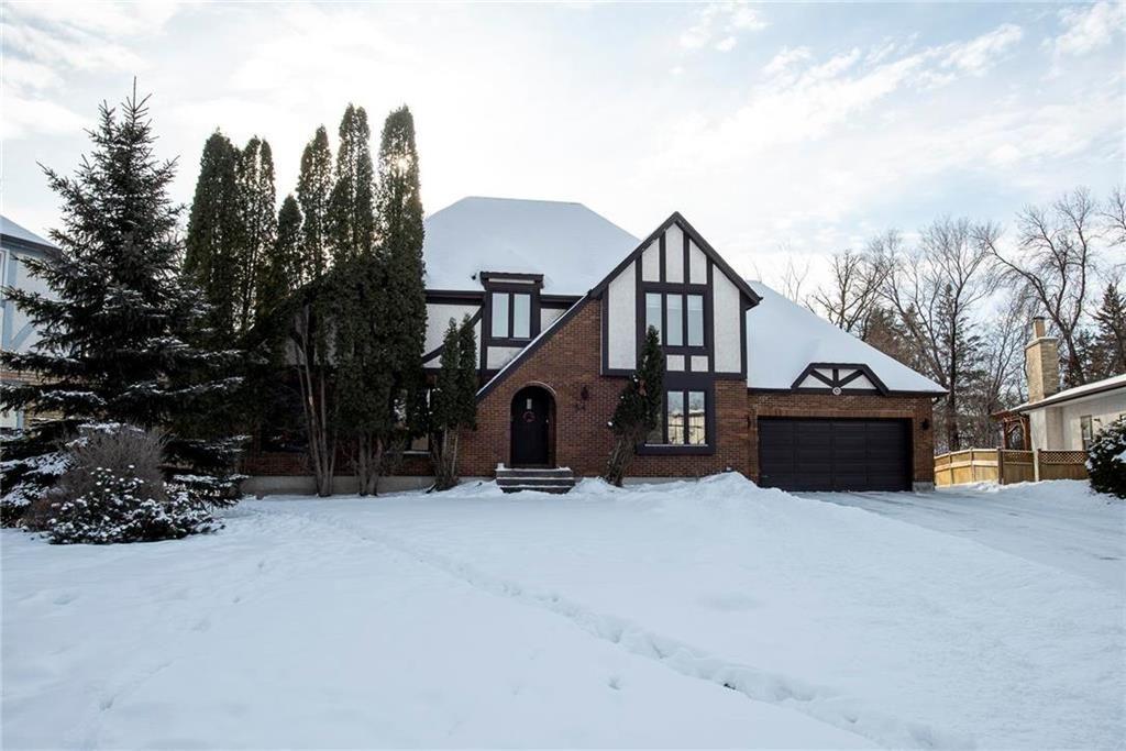 Main Photo: 34 Barnstaple Cove in Winnipeg: Charleswood Residential for sale (1G)  : MLS®# 202101178