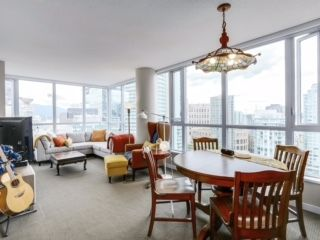 """Photo 5: 2003 833 SEYMOUR Street in Vancouver: Downtown VW Condo for sale in """"CAPITAL RESIDENCES"""" (Vancouver West)  : MLS®# R2087892"""