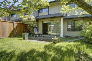 """Photo 24: 7 34755 OLD YALE Road in Abbotsford: Abbotsford East Townhouse for sale in """"Glenview"""" : MLS®# R2454937"""