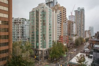 """Photo 14: 605 1177 HORNBY Street in Vancouver: Downtown VW Condo for sale in """"London Place"""" (Vancouver West)  : MLS®# R2304699"""