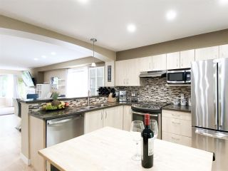 """Photo 7: 134 6747 203 Street in Langley: Willoughby Heights Townhouse for sale in """"SAGEBROOK"""" : MLS®# R2575428"""