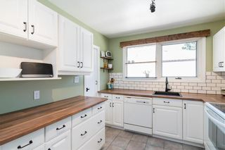 Photo 2: 21 Fontaine Crescent in Winnipeg: Windsor Park Residential for sale (2G)  : MLS®# 202113463