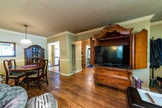 Photo 4: 1921 TATLOW Avenue in North Vancouver: Pemberton NV House for sale : MLS®# R2407439