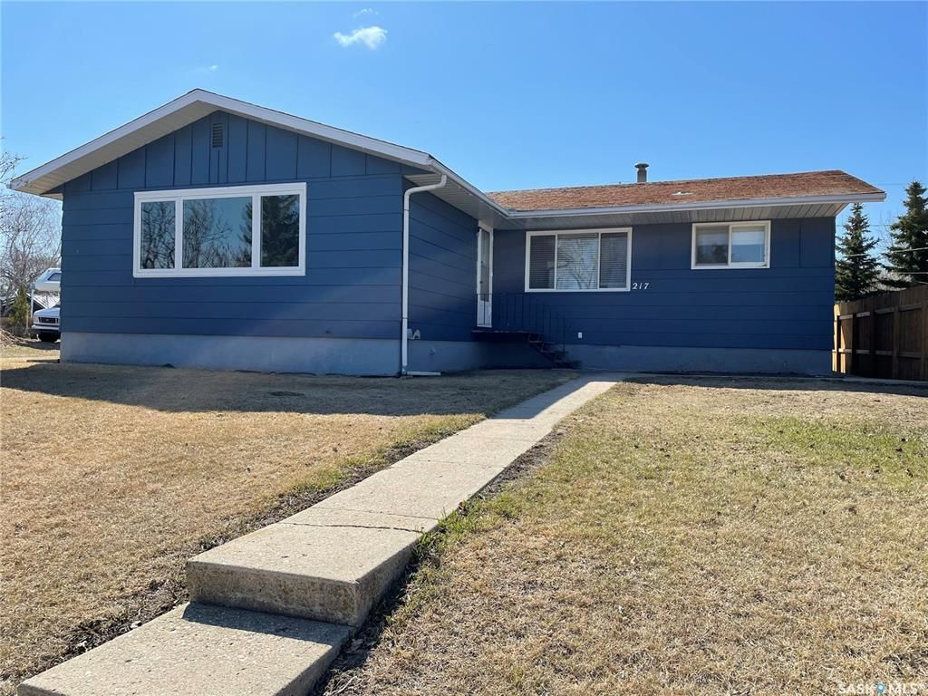 Main Photo: 217 Drake Avenue in Viscount: Residential for sale : MLS®# SK850930