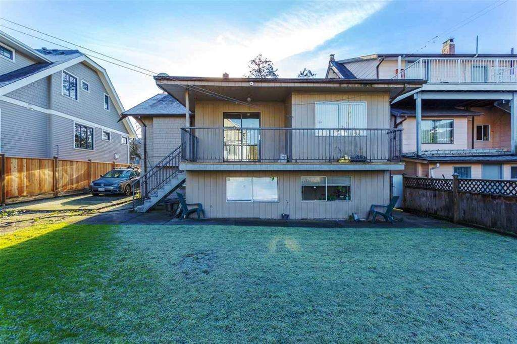 Photo 3: Photos: 2525 W 8TH AVENUE in Vancouver: Kitsilano House for sale (Vancouver West)  : MLS®# R2440103