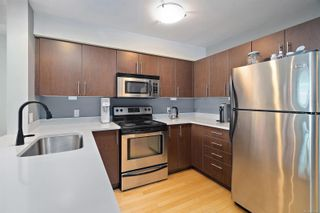 Photo 6: 102 797 Tyee Rd in : VW Victoria West Condo for sale (Victoria West)  : MLS®# 870880