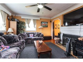 Photo 3: 541 E Burnside Rd in VICTORIA: Vi Burnside House for sale (Victoria)  : MLS®# 722743