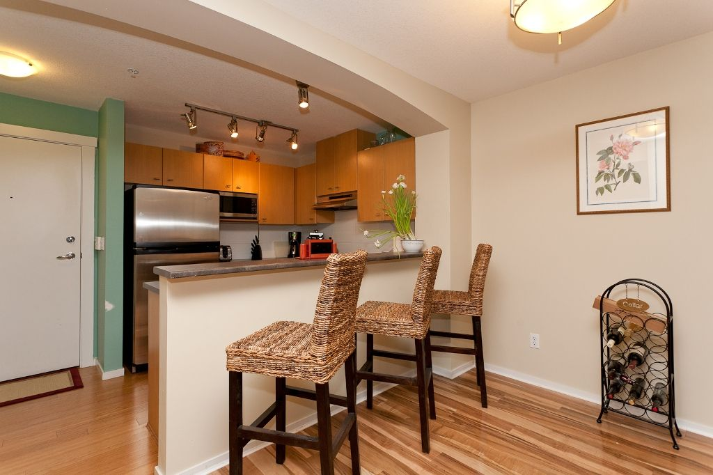 """Photo 4: Photos: 313 9319 UNIVERSITY Crescent in Burnaby: Simon Fraser Univer. Condo for sale in """"HARMONY AT THE HIGHLAND"""" (Burnaby North)  : MLS®# V924825"""