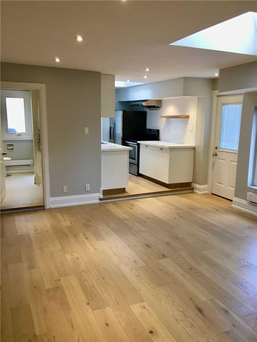 Main Photo: Front 1304 Woodbine Avenue in Toronto: Danforth Village-East York House (Apartment) for lease (Toronto E03)  : MLS®# E4941282