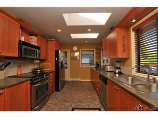 Photo 6: 1619 Barksdale Dr in VICTORIA: SE Lambrick Park House for sale (Saanich East)  : MLS®# 618275