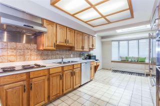 Photo 3: 826 W 22ND Avenue in Vancouver: Cambie House for sale (Vancouver West)  : MLS®# R2217405