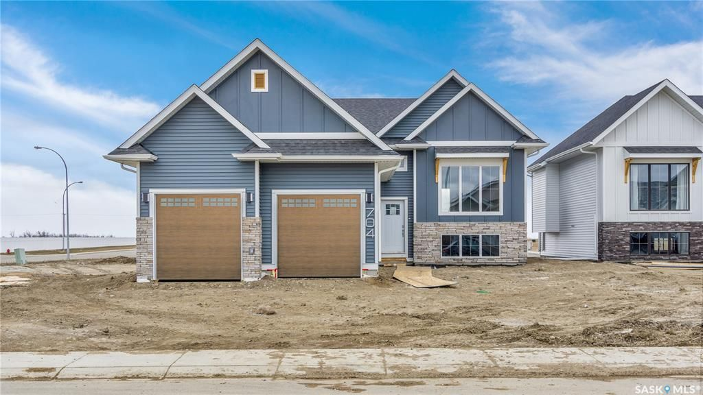 Main Photo: 704 Scott Crescent in Warman: Residential for sale : MLS®# SK851150
