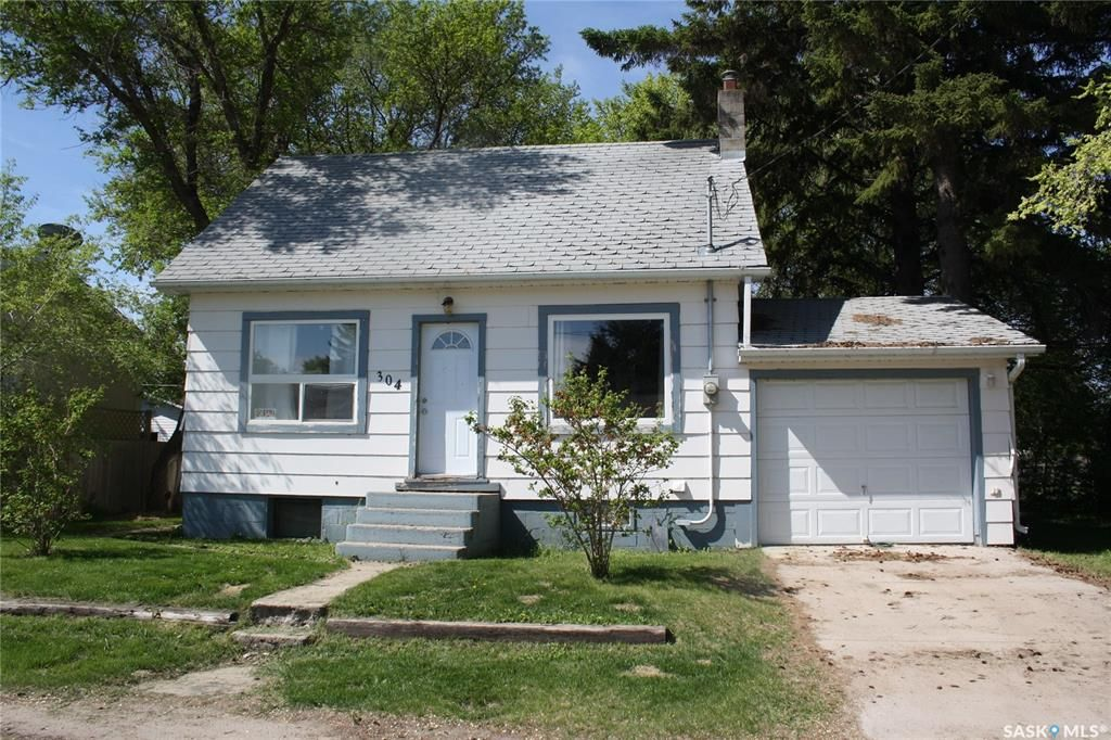 Main Photo: 304 Glasgow Avenue in Saltcoats: Residential for sale : MLS®# SK846318