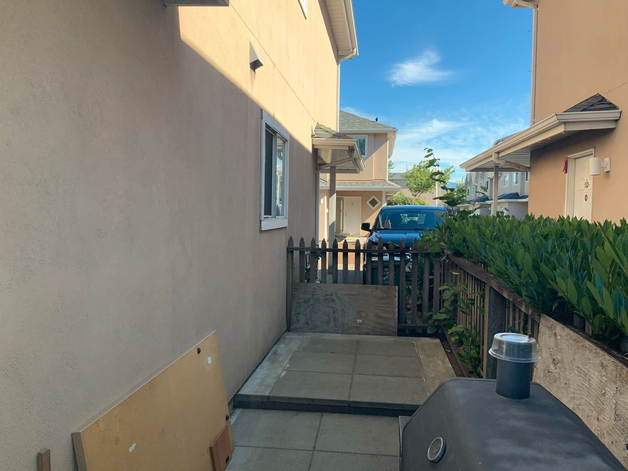 """Photo 13: Photos: 114 2211 NO. 4 Road in Richmond: Bridgeport RI Townhouse for sale in """"Oakview Place"""" : MLS®# R2593964"""