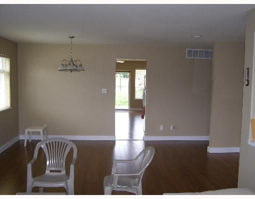 """Photo 5: Photos: 507 SHAW Road in Gibsons: Gibsons & Area House for sale in """"W"""" (Sunshine Coast)  : MLS®# V580770"""